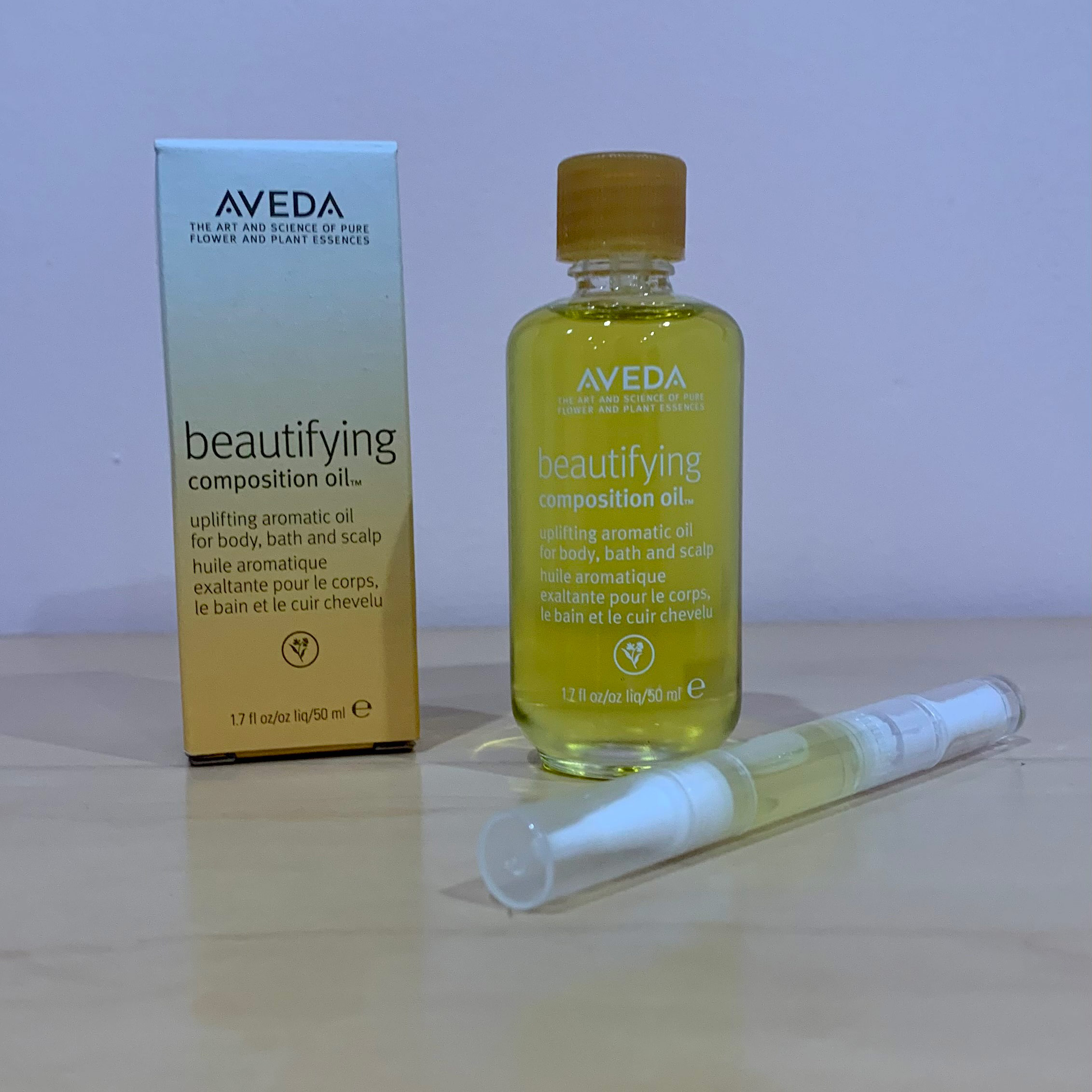 Beautifying Oil Composition Duo